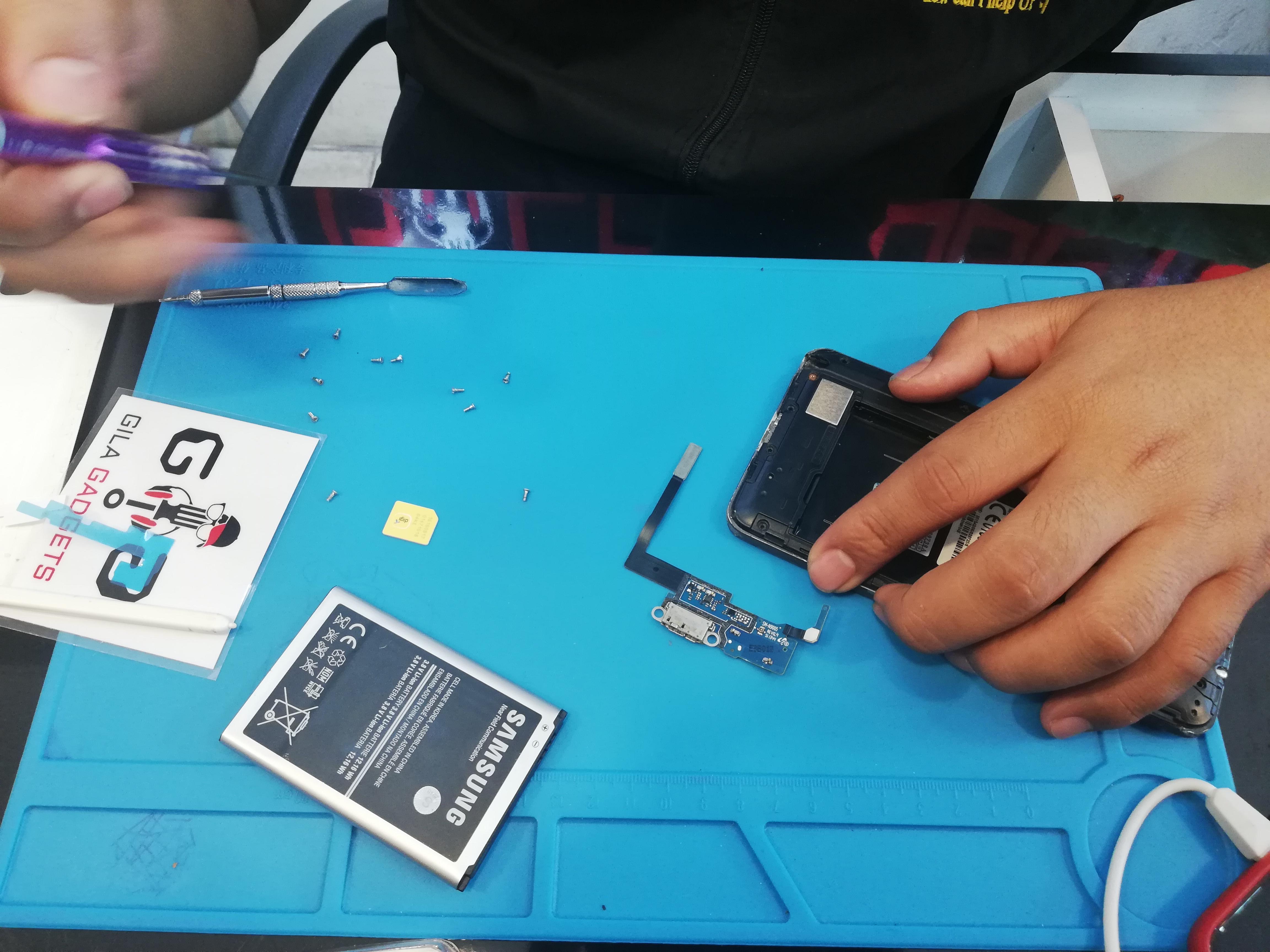 Repair Plug In Samsung Note 3 – Taman Permata