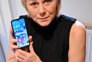 Telefon Pintar Huawei Menyelamatkan Nyawa Seorang Wanita