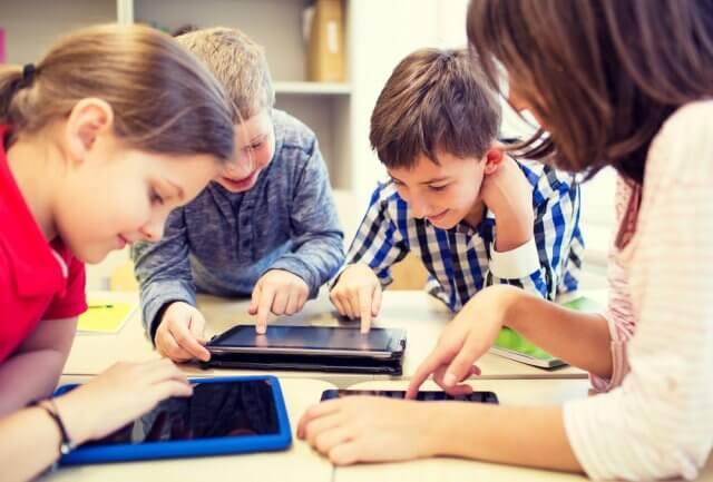 """Google Memperkenalkan Lencana """"Teacher Approved"""" Di Play Store Untuk Aplikasi Mesra Kanak-Kanak"""